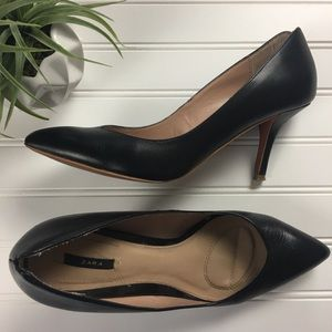 Zara Black Matte Pumps